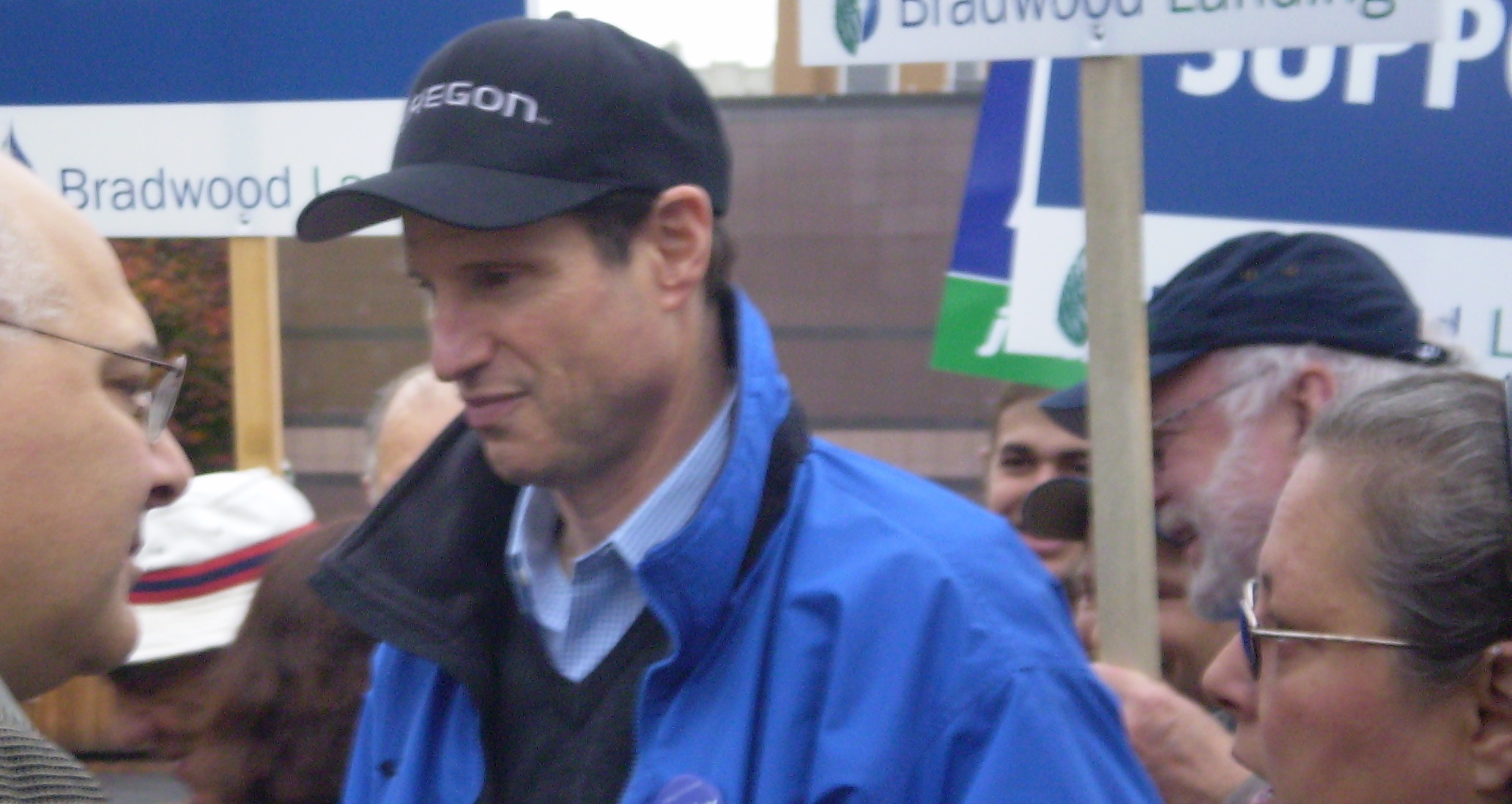 Wyden in Astoria